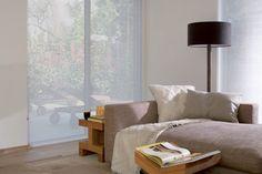 Facette® Shades brengen rust door de horizontale belijning Window Coverings, Window Treatments, Indoor Blinds, Outdoor Screens, Window Styles, Minimalism, Diy And Crafts, Windows, Curtains