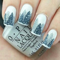Ooh loving this mani