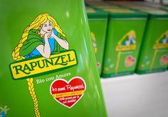 Rapunzel compie 40 anni! E con l'acquisto di una confezione di original muesli da 750 gr. l'originale pack in latta è in omaggio.  Original Muesli, ottimi per la prima colazione, sono un pieno di energia rivitalizzante e rigenerante. I cereali integrali forniscono i carboidrati complessi che sostengono l'organismo a lungo, il mix di noci e semi fornisce oli vegetali di alta qualità; è ricco di minerali, vitamine, e di un aroma incomparabilmende dolce.