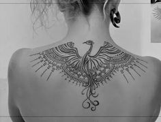 Beautiful,unique back tattoos for women, artwork by very talented tattoo artists from all over the world. Ethno Tattoo, Ethnisches Tattoo, Form Tattoo, Tattoo Trend, Tattoo Hals, Piercing Tattoo, Piercings, Tattoo Pheonix, Nape Tattoo
