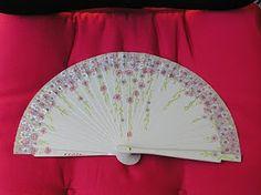 Hand Fan, Home Appliances, Mini, Umbrellas, Castle, Hand Fans, Templates, Magazine Crafts, Disney Wedding Dresses