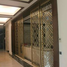 Panel pattern and material to slightly separate the dining and living areas Window Grill Design Modern, Grill Door Design, Living Room Partition Design, Room Partition Designs, Wood Partition, Decorative Metal Screen, Jaali Design, Metal Grill, Plafond Design