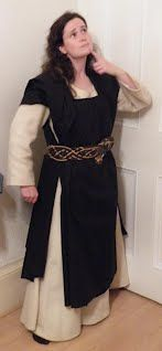 Great site for diy medieval and renaissance costuming even the no excuses garb on the cheap tutorials with patterns larp costumesviking costumerenaissance costumediy medieval solutioingenieria Choice Image