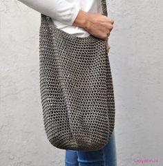 Tas - gratis haakpatroon op wolplein - free crochet pattern for shopper, written… Knit Or Crochet, Free Crochet, How To Start Knitting, Crochet Purses, Market Bag, Lana, Crochet Projects, Free Pattern, Crochet Patterns