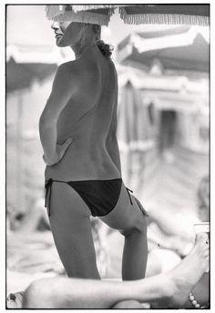 Elliott Erwitt FRANCE. St. Tropez. 1978.