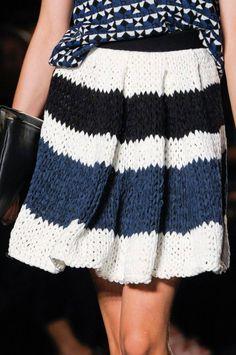 Crochet Skirt - Les Copains at Milan Fashion Week Spring 2013 - Details Runway Photos Crochet Skirts, Knit Skirt, Crochet Clothes, Diy Clothes, Knit Dress, Knitwear Fashion, Crochet Fashion, Knitting Designs, Knitting Patterns
