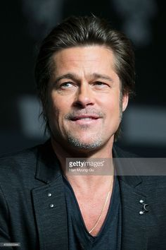 Pin for Later: 10 Celebrity Guys Who've Dealt With Their Own Brad Pitt Celebrity Moms, Celebrity Photos, Celebrity Style, Justin Bieber Photos, Carter Reynolds, Emo Guys, Brent Rivera, Andrew Christian, Big Sean