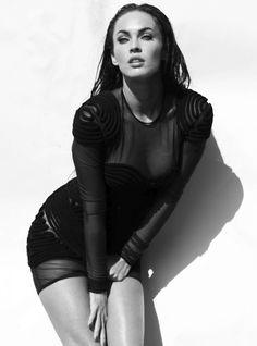 Megan Fox hot in Elle Magazine Megan Fox Images, Megan Fox Pictures, Megan Fox Hot, Megan Denise Fox, Megan Fox Photoshoot, Celebrity Style Inspiration, Celeb Style, Portraits, Elle Magazine