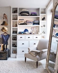 I love how this closet is customized by still looks warm and comfortable Inside Keri Russell's Brooklyn Brownstone - ELLE DECOR Dressing Room Closet, Closet Bedroom, Closet Space, Dressing Rooms, Master Closet, Dressing Area, Huge Closet, Closet Mirror, Master Bedroom