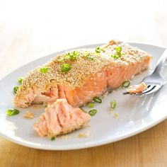 Looking for a flavorful dinner? Try our newest recipe: Sesame-Crusted Salmon with Lemon and Ginger.