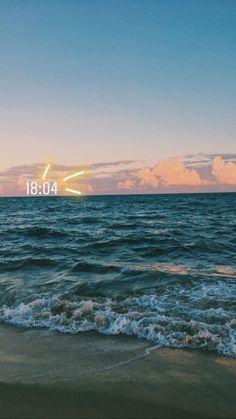 insta stories – – Best Travel images in 2019 Instagram Beach, Creative Instagram Stories, Instagram Story Ideas, Instagram Quotes, Insta Photo Ideas, Insta Story, Ig Story, Beach Photos, Summer Photos