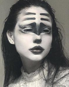 Edgy Makeup, Eye Makeup Art, Dark Makeup, Makeup Inspo, Makeup Inspiration, Beauty Makeup, Creative Makeup Looks, Aesthetic People, Fantasy Makeup