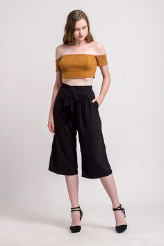 Shop effortless, minimalist & modern ready-to-wear here. We make quality & affordable fashion since We ship worldwide. Modern Minimalist, Affordable Fashion, Summer, Pants, Clothes, Outfits, Trouser Pants, Summer Time, Clothing