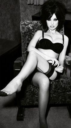 Dioni Tabbers black lingerie stockings Retro Lingerie, Lingerie Photos, Black Lingerie, Ropa Interior Retro, Dioni Tabbers, Boudoir, Alena Blohm, Stockings Legs, Nylon Stockings