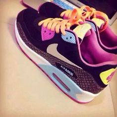 Which are your favorite Nike shoes?mine are all of them!!!!this is my dream  ♥