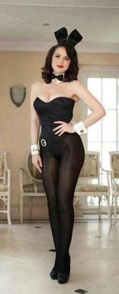 Candid milf big booty in leggings
