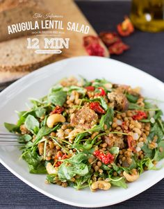 Arugula and Lentil Salad with easy to find ingredients. It's simple, tasty, #vegan and really healthy! | hurrythefoodup.com