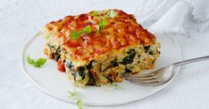 Combine cauliflower, parmesan and eggs to make this delicious gluten-free, keto-friendly lasagne recipe. Lasagne Recipes, Keto Recipes, Dinner Recipes, Cooking Recipes, Healthy Recipes, Healthy Fats, Dinner Ideas, Freezer Friendly Meals, Italy
