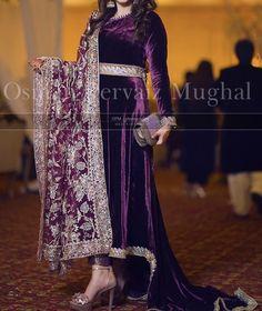 Best 12 Bollywood Designer Indian pakistani long velvet kameez brocade pant shawl size L Pakistani Wedding Outfits, Pakistani Dresses Casual, Indian Dresses, Shadi Dresses, Indian Outfits, Fancy Dress Design, Stylish Dress Designs, Stylish Dresses, Velvet Pakistani Dress