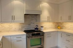 love the backsplash!!!!This #kitchen uses @Cambria #torquay tops & #cabinets in @Benjamin Moore's #DistantGray http://instagram.com/p/l0O6WmhciI/ pic.twitter.com/FVwCY3ntEk