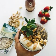 cold brew chia seed pudding. you need this! and guess where i found ALL the ingredients from? @aldiusa  yep, and the best part.. it was so easy to make! do it: 1/4C chia seeds and @califiafarms cold brew bottle. put the chia seeds in the bottle, shake it up and store overnight. in the morning, top it with banana, strawberries, raw nuts and @barneybutter almond butter! #shutthekaleup #realfood #cleaneats #aldiusa #ad