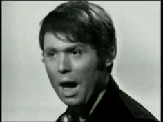 RAPHAEL canta esta canción de México en 1969 en directo... ojo a los falsetes...