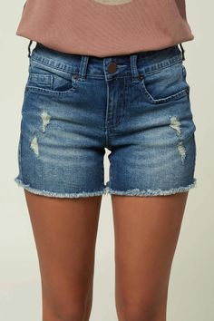 These longer length shorts are a wardrobe staple, perfect for any adventure day or night. O'Neill Women's denim short Inseam Distressed look Raw hem detail Leather logo back patch Cotton, Elastane Lace Denim Shorts, Denim Shorts Outfit, Shorts Outfits Women, Blue Jean Shorts, Distressed Denim Shorts, Cute Shorts, Short Outfits, Girl Outfits, Summer Outfits