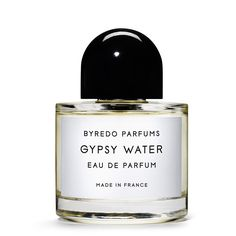 Gypsy Water is a glamorization of the romany lifestyle, based on a fascination with the myth. The scent of fresh soil, deep forests and campfires evokes the dream of a free, colorful lifestyle close to nature. #eaudeparfum #byredo #niche #perfume #aedes