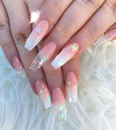 Who knew the stars would be so popular 🤷🏼♀️ I love them 💖. . . . . . . . . #nails #nailsofinstagram #nailart #naildesigns #nailsonfleek #nailed #toplinenails #vanessanailzfeatures #uglyducklingnails