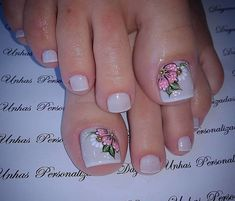Toe Nail Flower Designs, Flower Toe Nails, Toenail Art Designs, Pedicure Designs, Pretty Toe Nails, Cute Toe Nails, Polygel Nails, Manicure And Pedicure, Toe Nail Color