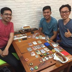 Visiting my friend Nanda and his brother Anga in Jakarta Indonesia. It's fun to go and see how board-game cafe looks like and play with friends! #boardgamecafe #jakarta #indonesia #visitfriends #trumanreunion