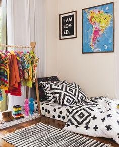 Coleção 2016 da @amomooui leva à culturas e países distantes, com sua roupa de cama moderna e colorida! #roupadecama #decor #decoração #detalhe #enxoval #criança #bebê #quarto #arquitetura #interiores #bedlinen #decoration #detail #children #kids #baby #bedroom #nursery #interior #architecture