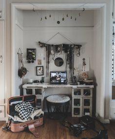 32 Most Popular Aesthetic Room Decor Brown - Room Dekor 2020 Furniture, Aesthetic Room Decor, Diy Home Decor, Home Decor, House Interior, Apartment Decor, Dorm Room Decor, Aesthetic Rooms, New Room