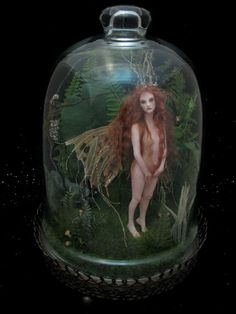 Captured Fairy in Terrarium, so precious. Fairy Jars, Fairy Figurines, Biscuit, Clay Dolls, Fairy Dust, Polymer Clay Art, Fairy Dolls, Altered Art, Decoration