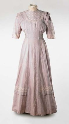 Wedding dress, 1910