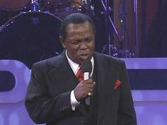LOU RAWLS LIVE - YOU'LL NEVER FIND ANOTHER LOVE LIKE MINE I WAS BLESSED TO MEET MR. RAWLS YEARS AGO AT FORT HOOD, TEXAS CONCERT! HE WAS SPECTACULAR, A GREAT HUGGER TOO!  <3 XXOO :)