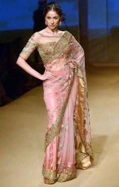 Ashima Leena design at Indian Bridal Fashion Week Sari Design, Mode Bollywood, Bollywood Fashion, Indian Bridal Fashion, Bridal Fashion Week, Indian Attire, Indian Ethnic Wear, India Fashion, Ethnic Fashion