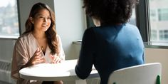 Lo que los psicólogos quieren saber de ti en una entrevista laboral AméricaEconomía.com Por esta razón, Hester Borm, Gerente de Investigación de AIRA Virtual, empresa creadora del primer asistente virtual de reclutamiento y selección ...