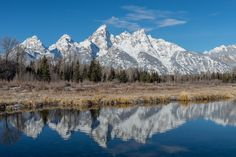 Grand Tetons from Schwabacher's Landing in Wyoming [OC] [6016x4016]