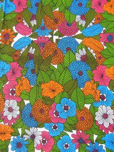 1960s / 1970s Vintage Floral Cotton Tablecloth,via Etsy.