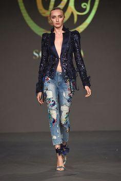 Soltana Fall-winter - Ready-to-Wear(Diy Ropa Pantalones) Fashion 2020, Runway Fashion, High Fashion, Love Fashion, Womens Fashion, Fashion Design, Fashion Trends, Winter Typ, Fall Winter