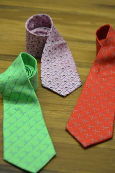 Our hockey neckties are perfect for hockey stars who need to dress up for a formal event! They are great hockey gifts for graduation, batmitzvahs, birthdays!