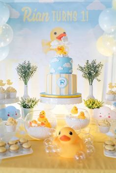 Ducky Baby shower Party Ideas, Bubbles and Ducky Cake, Cute Gender Neutral Duck Baby Shower Sweets and Decoration Inspirations, Photos Rubber Duck Birthday Party Ideas, Rubber Ducky Birthday, Rubber Ducky Party, Birthday Ideas, Baby Shower Sweets, Baby Shower Themes, Baby Shower Decorations, Shower Ideas, Cake Decorations