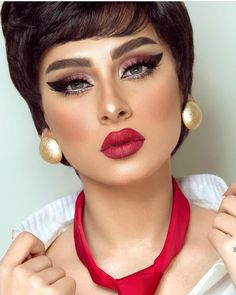 Girls Dpz, Woman Face, Eyeshadow Makeup, Turban, Beauty Women, Makeup Ideas, Wedding Photos, Babe, Forget