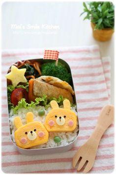 Cute tamagoyaki bunny bento box