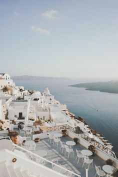 The ultimate guide to Santorini, Greece - . - The ultimate guide to Santorini, Greece – Guide - Oh The Places You'll Go, Places To Visit, Travel Photographie, Beautiful Places To Travel, Romantic Travel, Santorini Greece, Santorini Travel, Travel Goals, Travel Tips