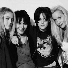 KStew and DFan pose with their real life counterparts, Joan Jett and Cherie Currie in the movie, Runaways.
