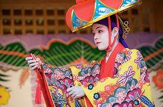 https://flic.kr/p/7wDsUa | Ryukyu Dance | Ryukyu Dance at Shurijo Castle