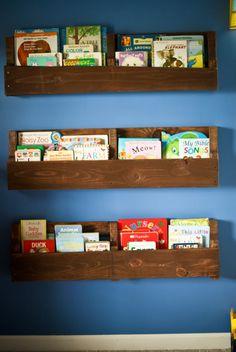 Pallet Board Bookshelf (or wine rack!) @shirleyjo