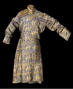 Blue silk robe Central Asia, possibly 13th century Woven silk